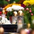 Dzień Wszystkich Świętych jest szczególną okazją do wspomnień o tych, których nie ma już wśród nas. Uroczystość Wszystkich Świętych obchodzony jest w Kościele rzymskokatolickim od X wieku. Wyznaczył je na […]