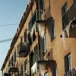 Sople zwisające z balkonów