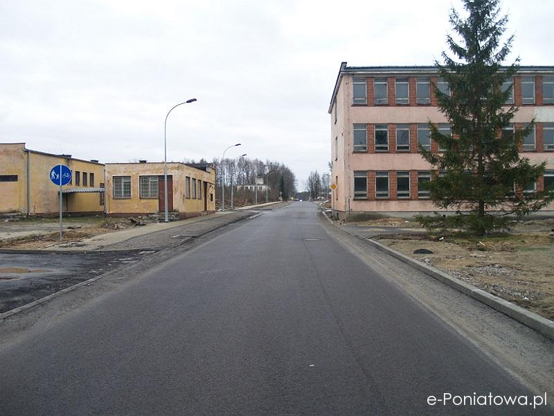 Ulica Przemysłowa w Poniatowej