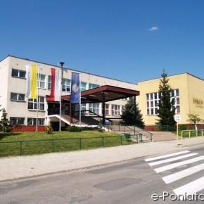 Gimnazjum im. Jana Pawła II w Poniatowej
