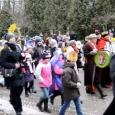 W niedzielę 6 stycznia ulicami Poniatowej przeszedł Orszak Trzech Króli. Na fanpage'u Parafii pw. Ducha Świętego w Poniatowej opublikowano materiał wideo z tego orszaku. Zapraszamy do obejrzenia.