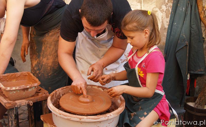 Centrum Kultury Promocji i Turystyki w Poniatowej zaprasza na warsztaty ceramiczne. Warsztaty przeznaczone są zarówno dla dzieci (z opiekunami), młodzieży jak i dorosłych. Na zajęciach plastycznych z wykorzystaniem gliny poznamy […]